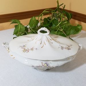 Vintage Lee & Smith Co./Taylor Granite Tureen